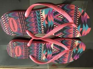 🚚 Brand new Havaianas slipper