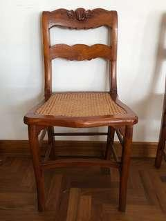 🚚 French rattan chair