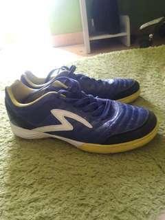 Sepatu Futsal specs ukuran 42