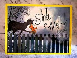Childrens book Slinky Malinky by Lynley Dodd