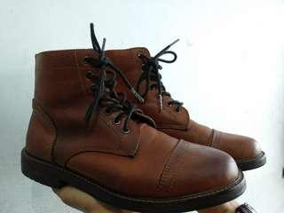 Sepatu boots mirip iron rangers