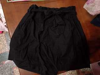 🚚 黑色高腰綁帶短褲🖤