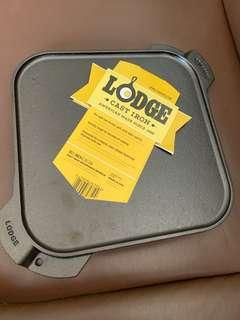 Free delivery - Lodge cast iron pre-seasoned reversible square griddle / grill