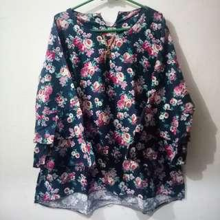 Flower blouse fit to Xl