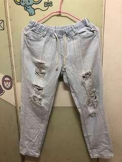 🚚 九分破洞牛仔褲