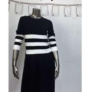 Knitted Round Neck Pleated Dress