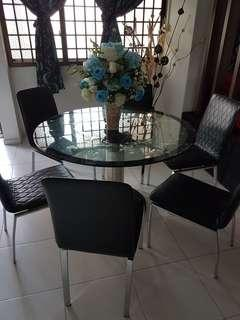 🚚 Beautiful dining table with lady suzanne..#EndgameYourExcess