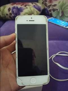 iPhone 5 white 16gb kondisi ala kadar nya