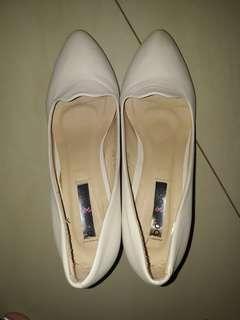 Heels bow bow