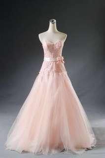 香檳色浪漫禮服一可量身修改(歡迎試穿)禮服九成新。