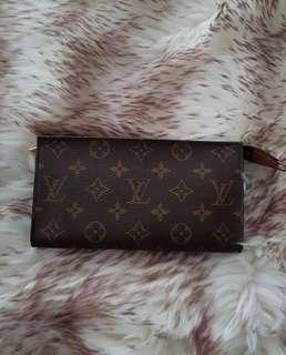 *fast deal $148*Louis Vuitton Pouch/Clutch