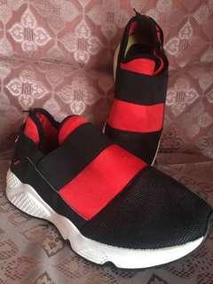 Sepatu Sporty Calliope #bersihbersihlemari