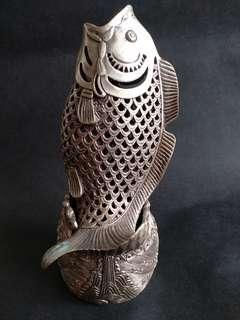 縷空銅擺件:魚跃龍門