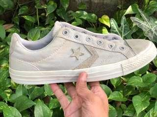 Converse low suede grey Size : 42  Kondisi 80%