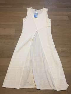 Size small hi-low white top brand new !