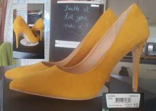 Women heels Size 10 price $30