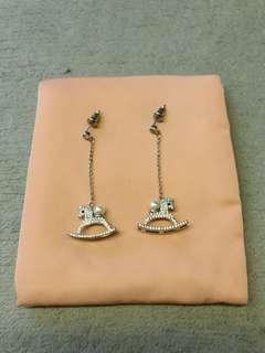 Earrings 耳環