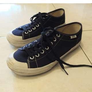 Vans 深藍色帆布鞋
