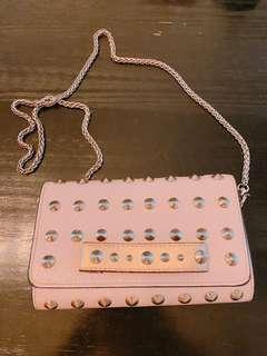 🚚 粉紅卯釘鏈包