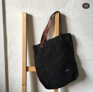 Imagery tote bag