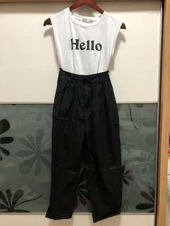 🚚 Hello無袖上衣+黑色褲子 套裝🖤🖤🖤全新 衣服吊牌未減❗️