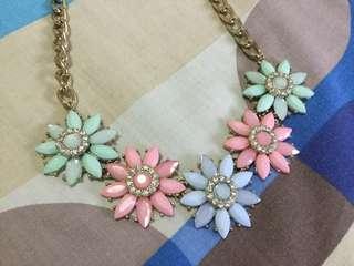 🚚 Diva statement Necklace