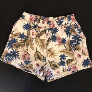 🚚 熱帶花漾短褲
