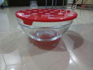 Glass lunch box can put into microwave