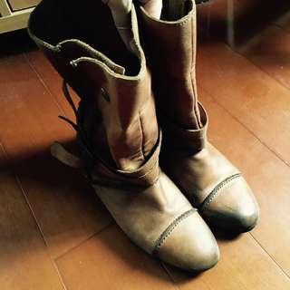 🚚 Brown Leather Boots 棕色/咖啡色真皮短靴,可反折。