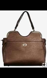 Bronze handbag, brand new: never used