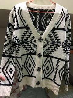 清衣櫃 少穿💁🏻♀️冷衫外套 民族花紋 jacket 出入冷氣地方必備