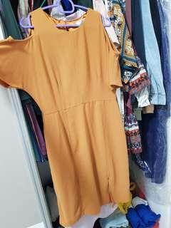 🚚 Off-shoulder Mustard work dress