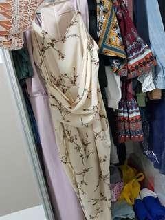 🚚 Floral event dress