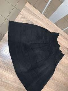 Portman's fluffy skirt