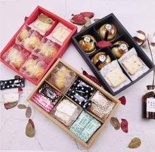 10 sets mooncake box(free sticker)