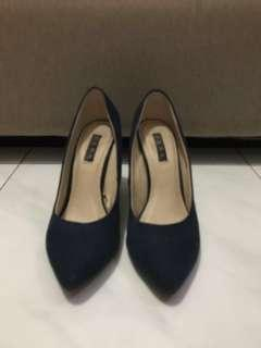 Zara Navy heels, made in vietnam