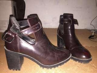 Zara boots brown
