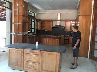 Complete Nyatuh wood kitchen cabinet
