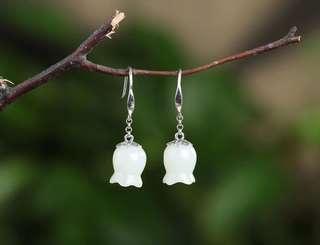 [Hetian jade small jade orchid earrings