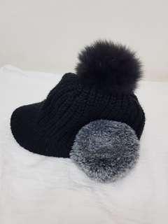 🚚 正韓 毛球毛帽 有耳罩 黑灰配色 韓國製 近全新 可以面交 超級好看 有穿戴圖 750讓