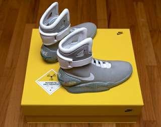 全新 Nike 回到未來 鞋 可發光
