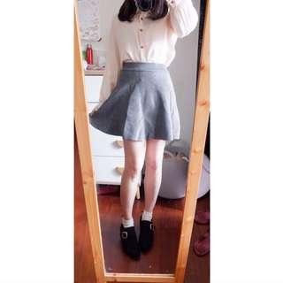 🚚 直條壓紋針織短裙
