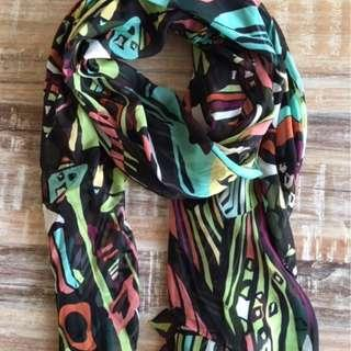 Gorgeous and vibrant DVF silk/chiffon scarf on sale!!