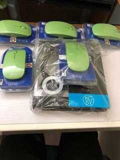 滑鼠和耳機