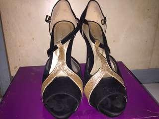 Kimohara High Heels Black Gold
