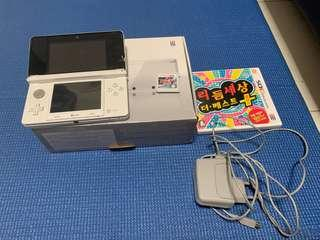 🚚 Nintendo 3DS with 2 game packs & box