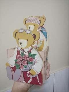 🚚 小熊家族筆筒