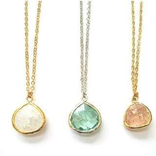 🚚 White Glass Gem Necklace