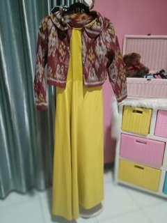 Dress with ethnic outer