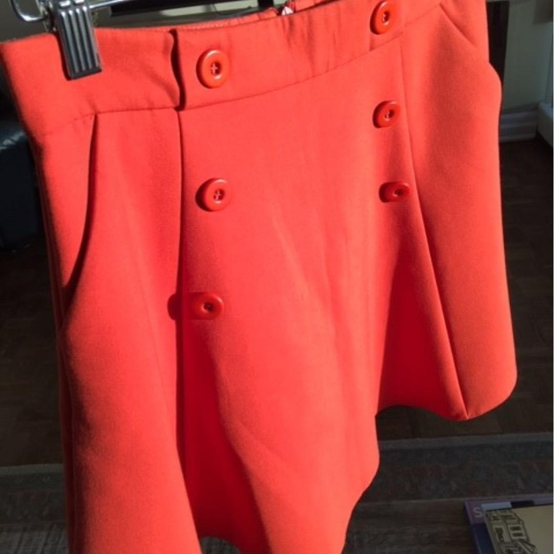 Beautiful, bright brand new skirt on sale (Promod)!